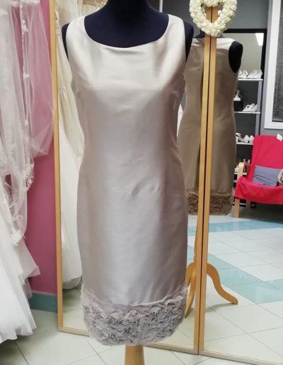 Robe soie grise